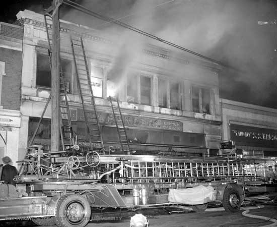 DFD 1942 Sanders fire