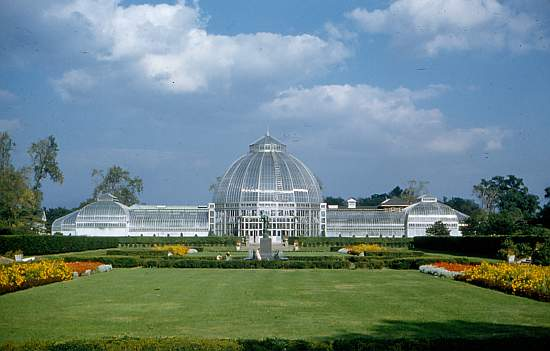 Anna Scripps Whitcomb Conservatory a