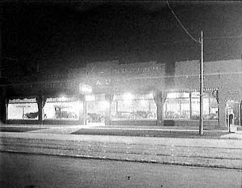 Houghon-Hurlburt Riverview Garage