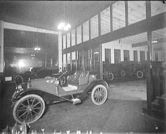 Hudson factory interior 1909